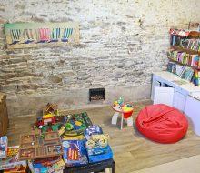 Camping Du Pouldu : Espace Vie coin jeux enfants