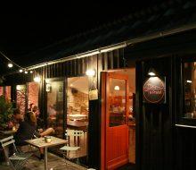 Camping Du Pouldu : Espace Vie terrasse nuit