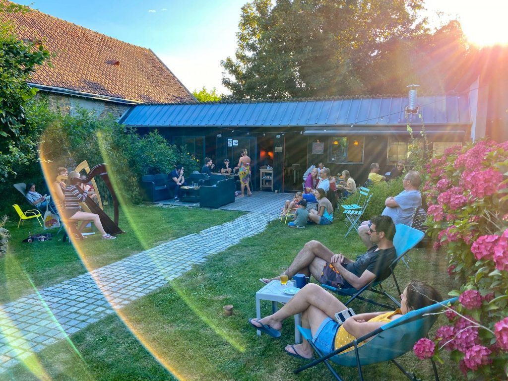 Camping Du Pouldu : 2020 07 Concert Harpe3